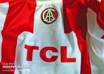 Se presentó la camiseta histórica | Foto web Independiente