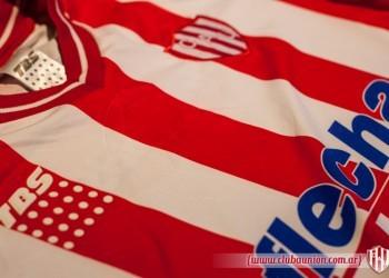 Camiseta titular | Foto Prensa Union