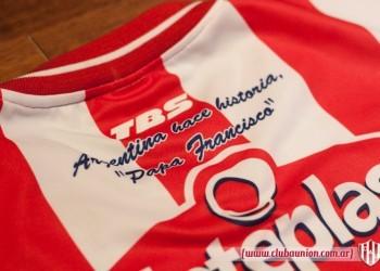 Frase en la camiseta titular | Foto Prensa Union