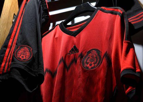 Adidas presento la nueva casaca de Mexico