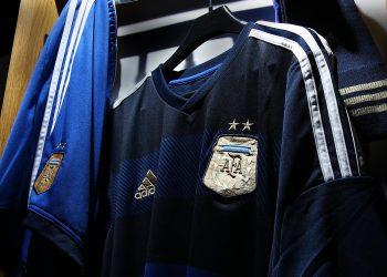 Adidas presentó la casaca suplente de Argentina