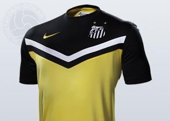"Camiseta ""amarela"" de Santos | Foto Nike"