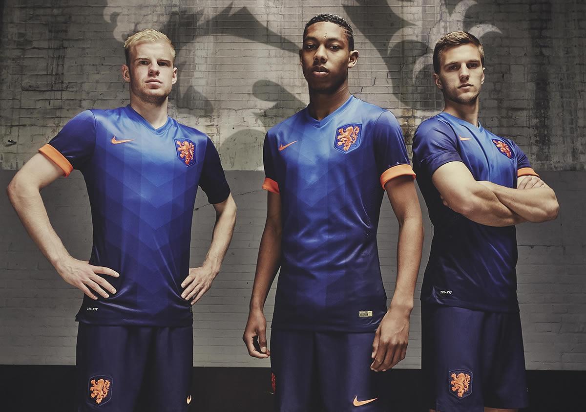 Los juveniles Klaassen, Boetius y Veltman con la casaca | Foto Nike
