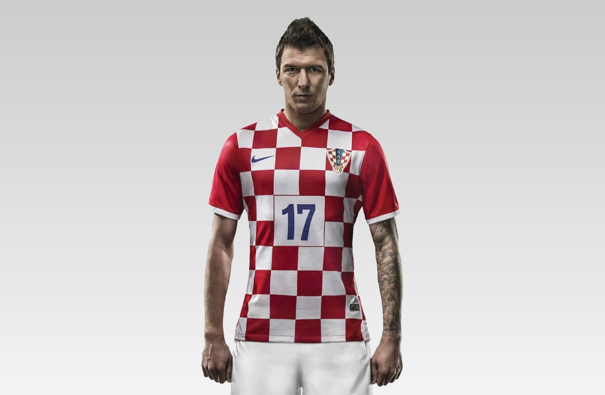 Mandzukic posa con la nueva casaca | Foto Nike