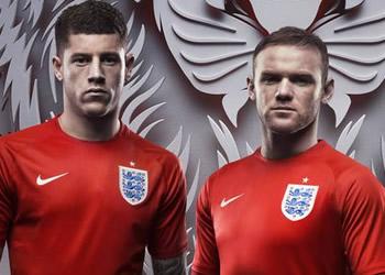 Wilshere, Barkley Rooney, Sturridge y Oxlade Chamberlain con la nueva camiseta | Foto Nike