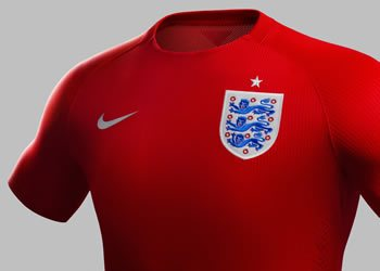 La tradicional camiseta roja fue usada por primera vez en 1951 | Foto Nike