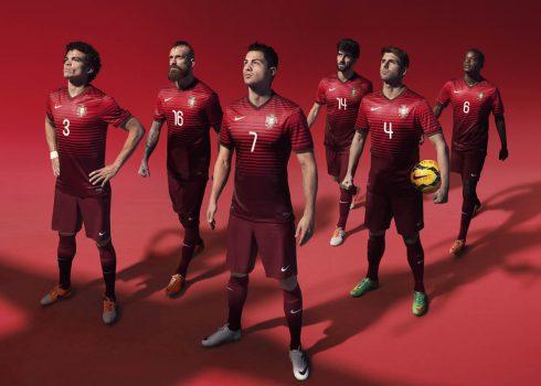 Nueva camiseta titular de Portugal   Foto Cristiano Ronaldo