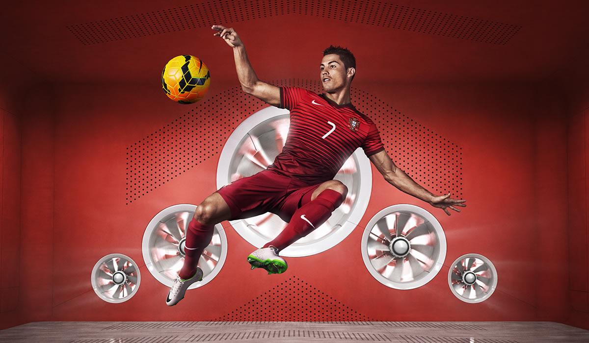 Cristiano Ronaldo con la nueva equipación | Foto Nike