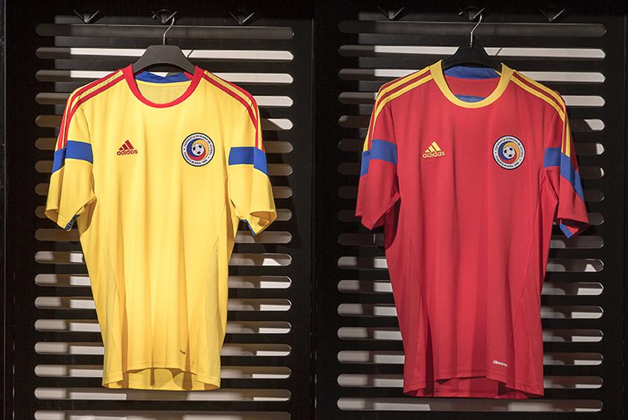 Así lucen las nuevas camisetas de Rumania | Foto Adidas
