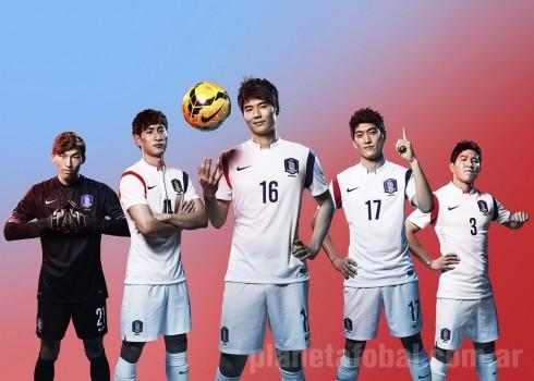 Los jugadores surcoreanos con la nueva casaca | Foto Nike