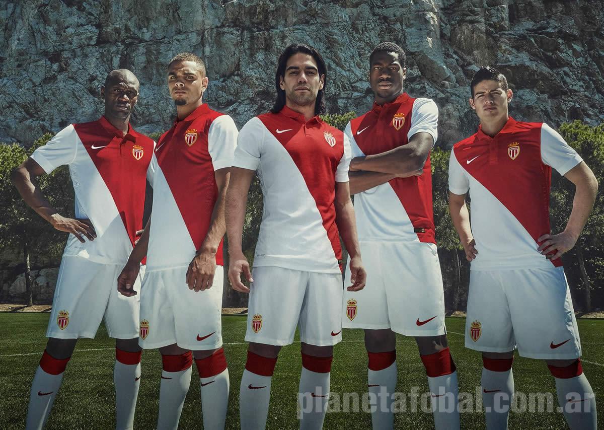 Falcao y otros jugadores con la camiseta | Imagen Web Oficial