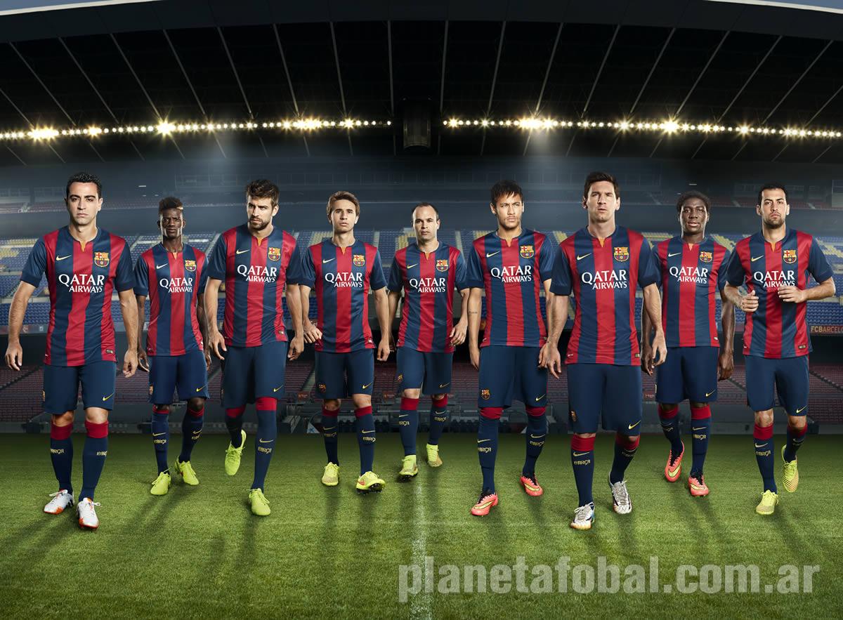 Messi, Xavi, Neymar y otros jugadores en el banner   Foto Nike