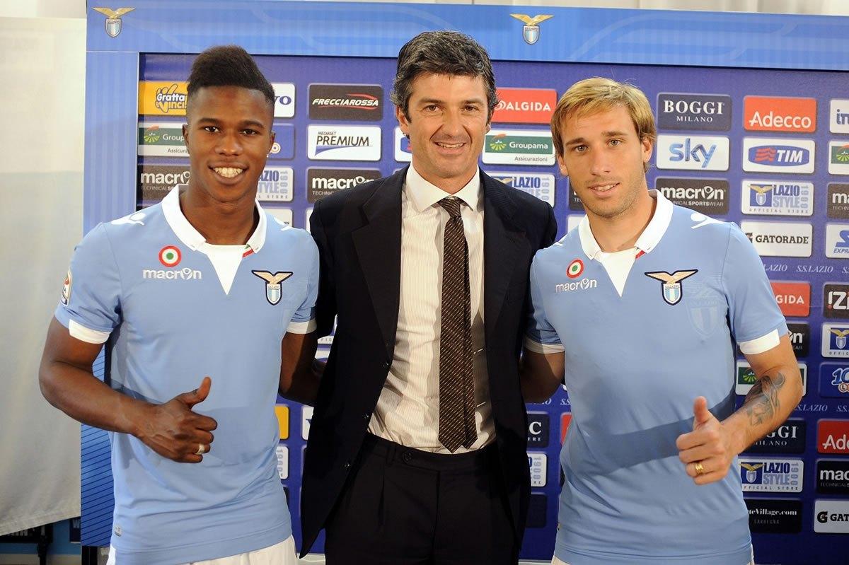 Keita y Biglia con la nueva camiseta | Foto Mai Dire Calcio