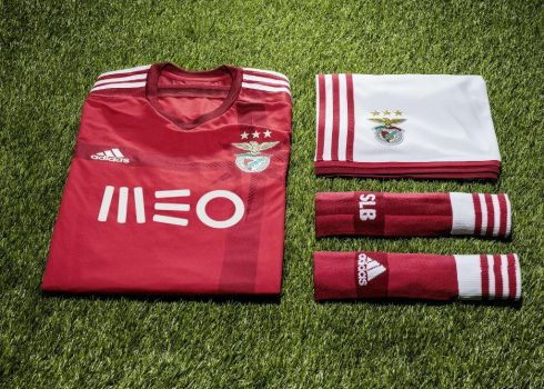 Nueva indumentaria de Benfica   Foto Mais Futebol