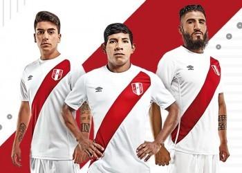Umbro presentó las casacas de Perú