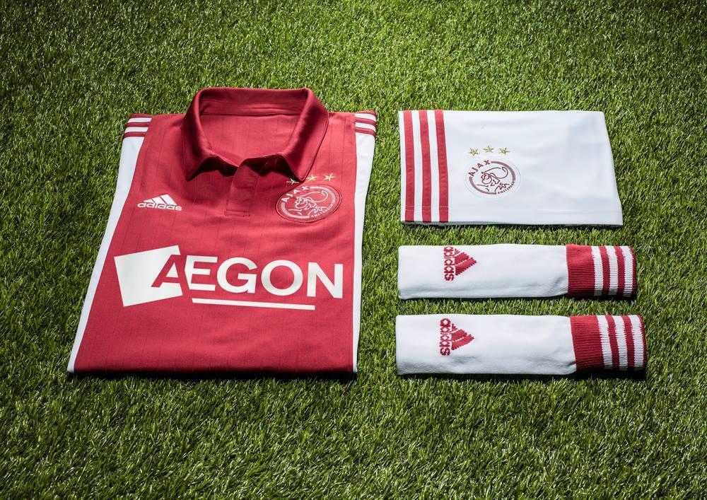 Camiseta titular Adidas del Ajax | Foto Facebook Oficial
