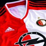 La nueva camiseta del Feyenoord   Imágenes web oficial