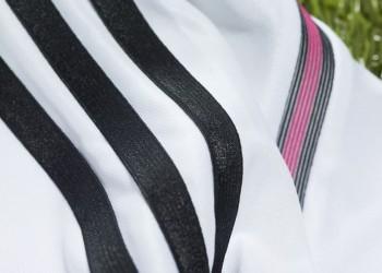 La casaca presenta detalles en rosado | Foto Adidas