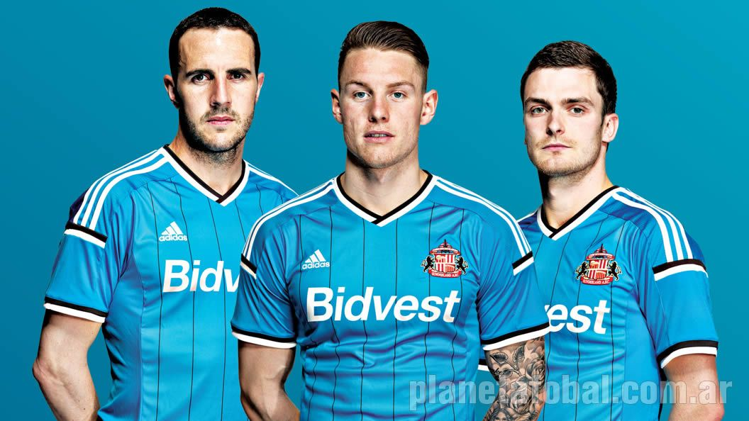 John O'Shea, Connor Wickham y Adam Johnson con la casaca | Foto Web Oficial