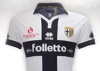 Iacobucci, Pedro Mendes, Lucarelli y Afriyie Acquah con las nuevas camisetas | Foto web Parma