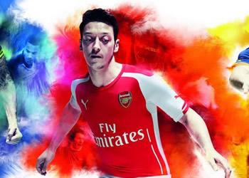 Giroud (tercera), Özil (titular) y Cazorla (suplente) con las nuevas camisetas de Arsenal | Foto Puma