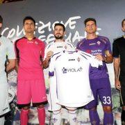 Varios jugadores con los nuevos modelos | Foto La Nazione