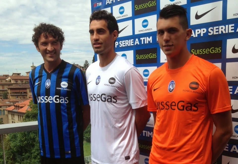 Los jugadores con los tres modelos | Foto Web Oficial