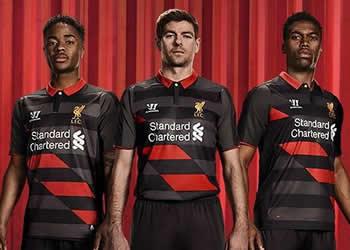 La tercera camiseta del Liverpool para 2014/15 | Foto Web Oficial