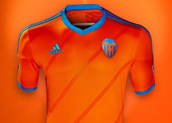 Nueva camiseta suplente del Valencia para 2014/2015 | Foto web oficial