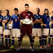 Jugadores con la camiseta titular   Foto Under Armour