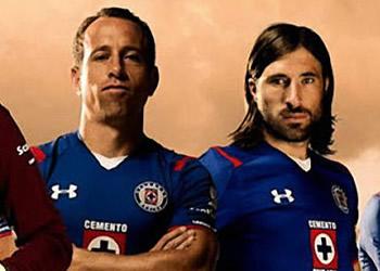Jugadores con la camiseta titular | Foto Under Armour