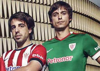 Los jugadores del Athletic Club con las nuevas camisetas | Foto Nike