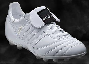Botines Copa Mundial en su versión White/Black | Foto Adidas