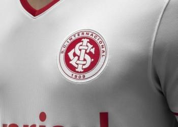 Camiseta suplente de Internacional de Porto Alegre para 2014 y 2015   Foto Nike