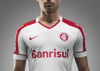 Nueva camiseta suplente de Internacional de Porto Alegre para 2014 y 2015   Foto Nike