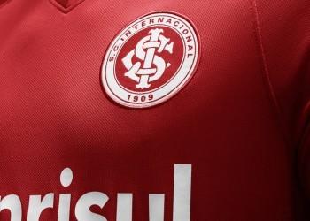 Camiseta titular de Internacional de Porto Alegre para 2014 y 2015   Foto Nike
