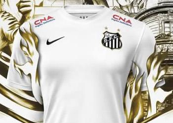 Camiseta titular del Santos de Brasil | Foto Nike