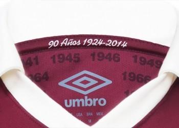 La inscripción por el 90º aniversario esta acompañada por el año de cada título | Foto Umbro