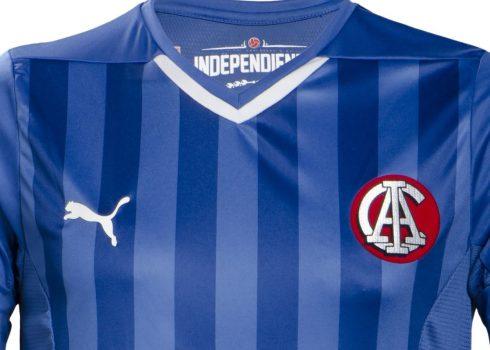 Camiseta suplente Puma de Independiente   Foto Tienda Oficial