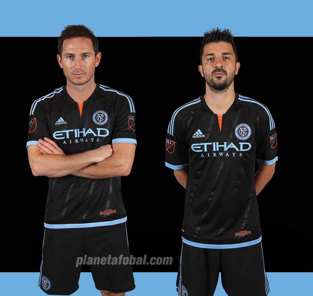 Lampard y David Villa con la casaca suplente   Imagenes web New York City FC