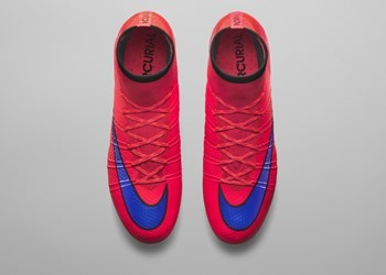 Botín Mercurial Superfly del Intense Heat Pack || Foto Nike