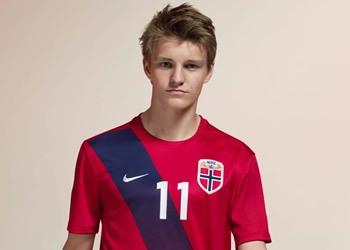 Martin Ødegaard con la casaca titular | Foto Nike