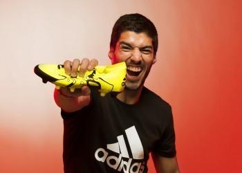 Suarez con los nuevos botines X15 | Foto Adidas