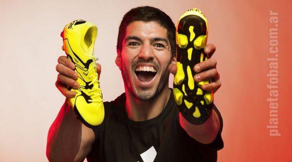 Luis Suarez con los nuevos X15 | Foto Adidas