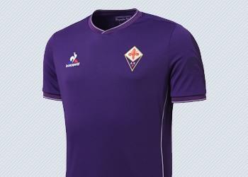 Camiseta titular de la Fiorentina para 2015/2016   Foto Le Coq Sportif