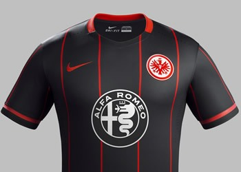 Camiseta titular Eintracht Frankfurt 2015/2016   Foto Nike