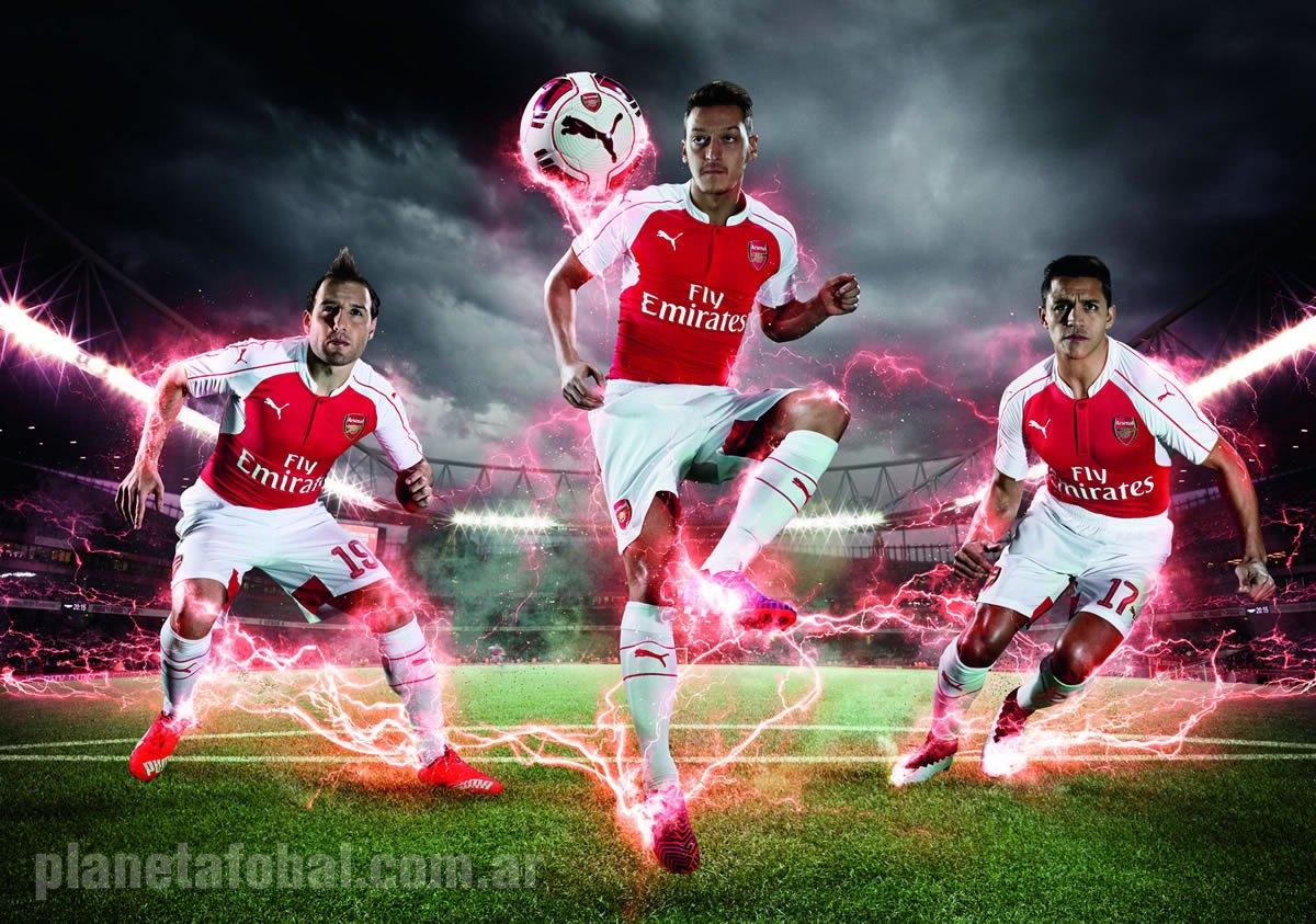 Cazorla, Ozil y Alexis Sanchez con la casaca   Foto Puma