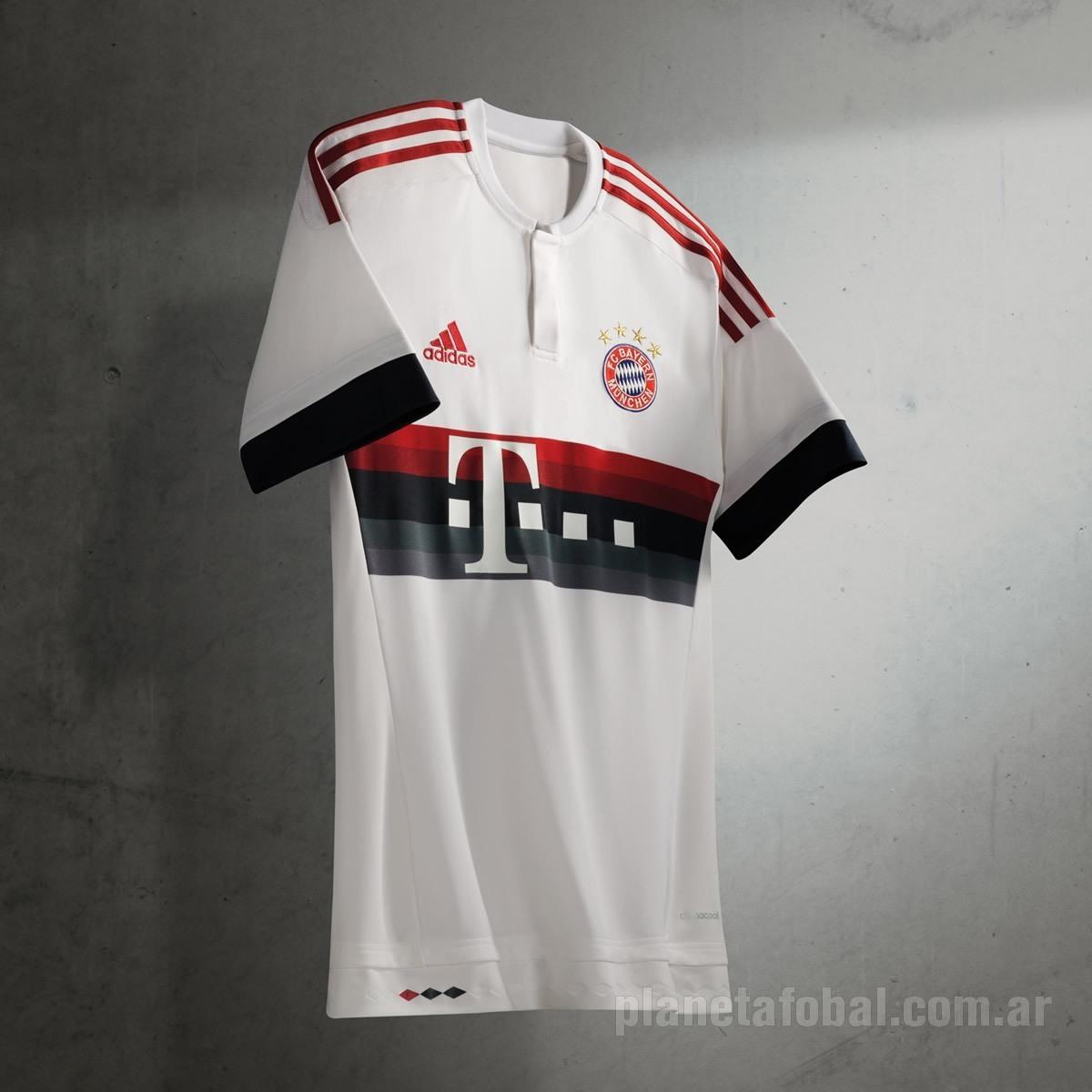 Camiseta suplente del Bayern Munich | Foto Adidas