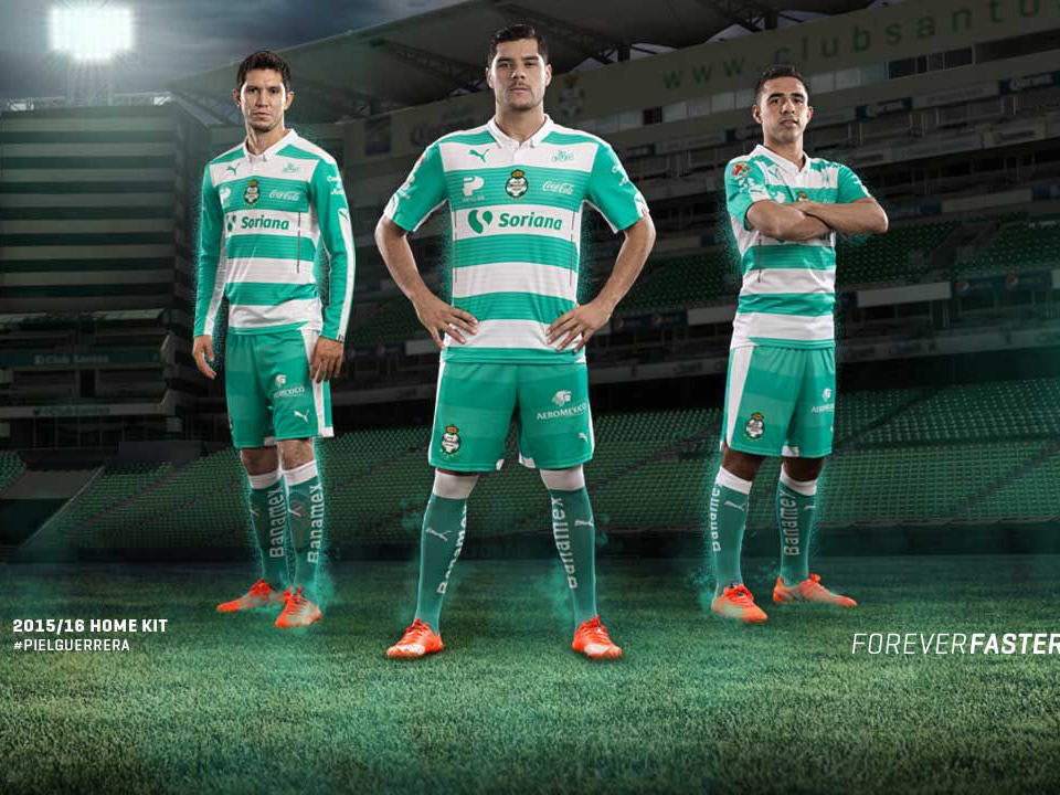 Nueva camiseta titular de Santos Laguna para 2015/2016 | Foto Puma