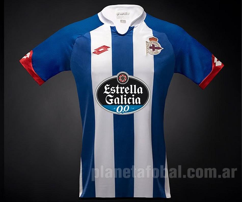 Camiseta titular Deportivo La Coruña   Foto Youtube